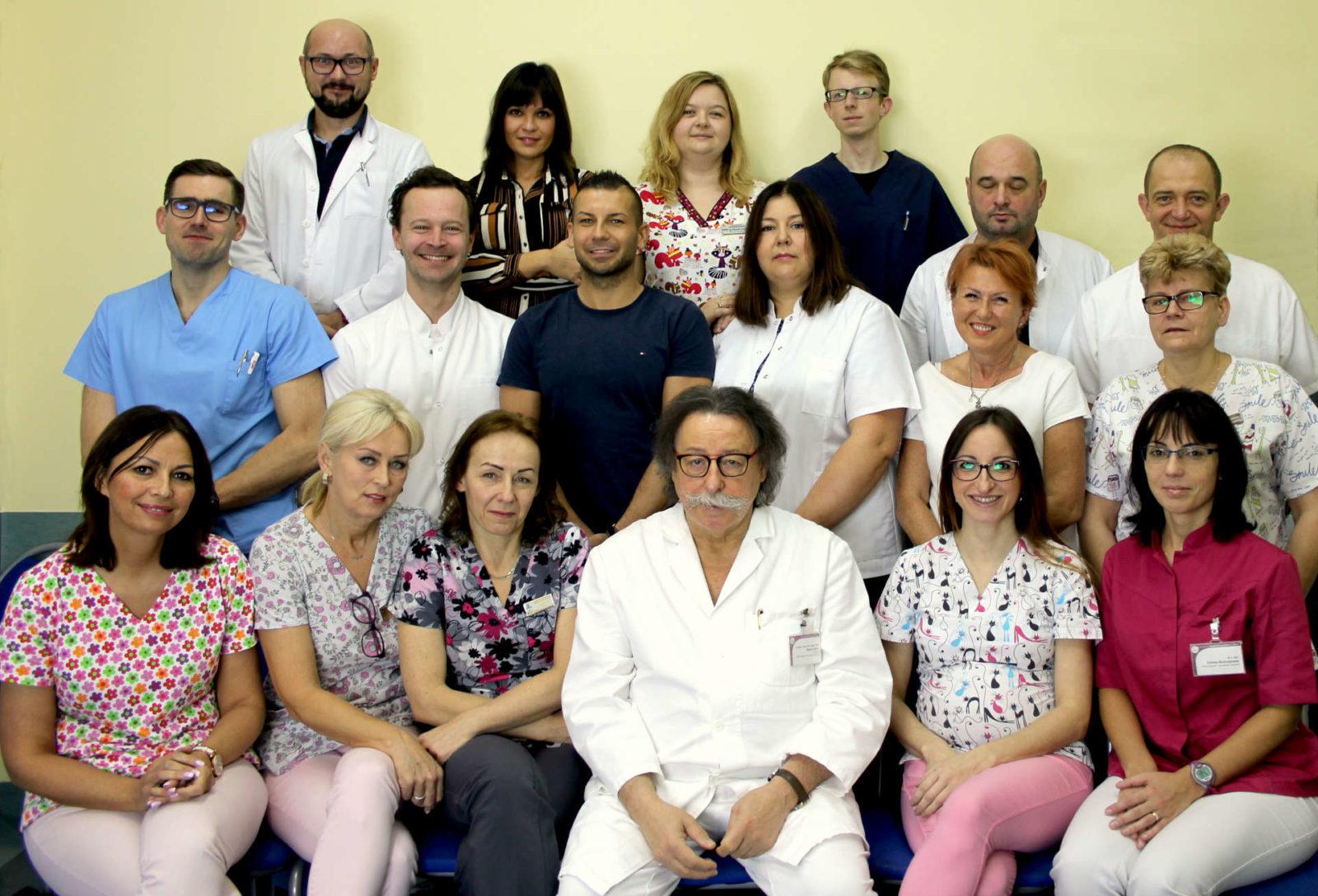 zespół lekarzy i pielęgniarek